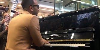 John Legend plays an impromptu concert on the St. Pancras piano