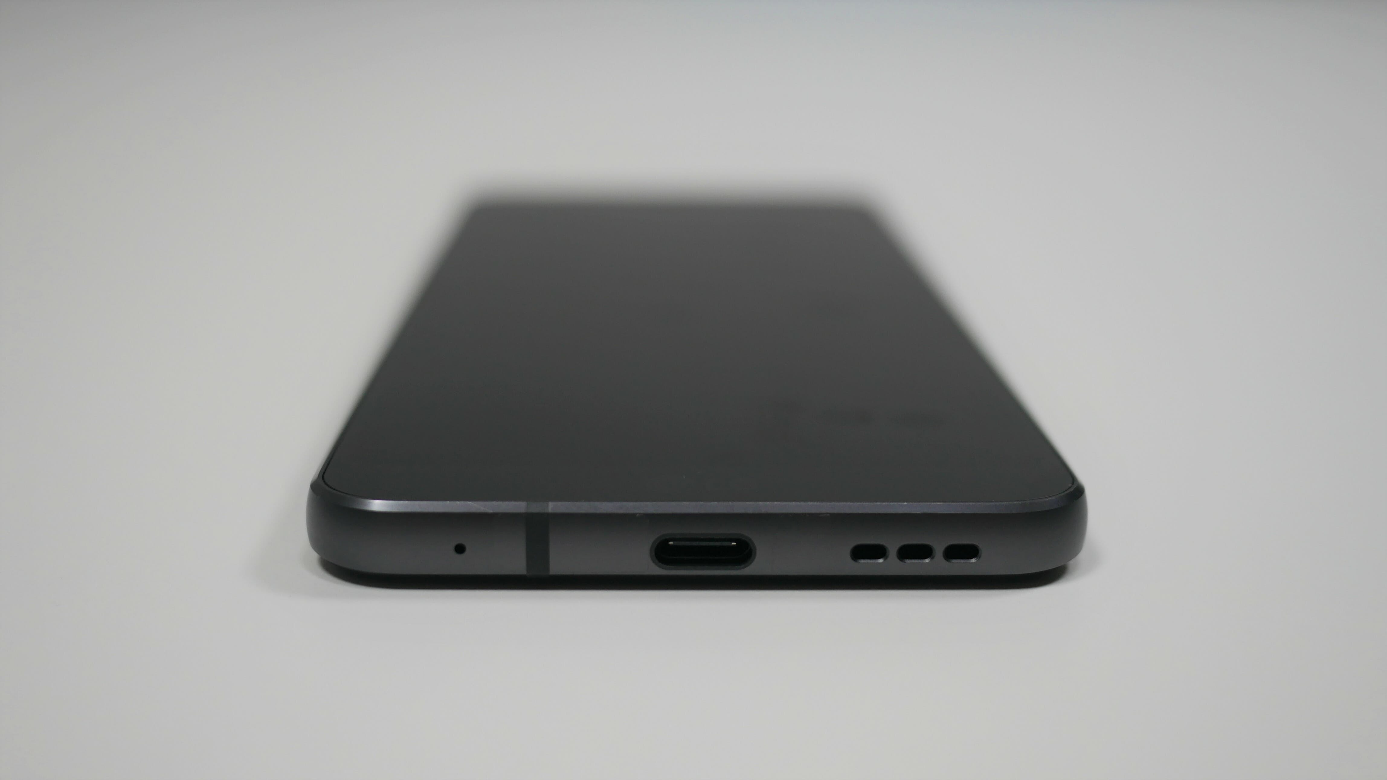 LG G6 ports smartphone review