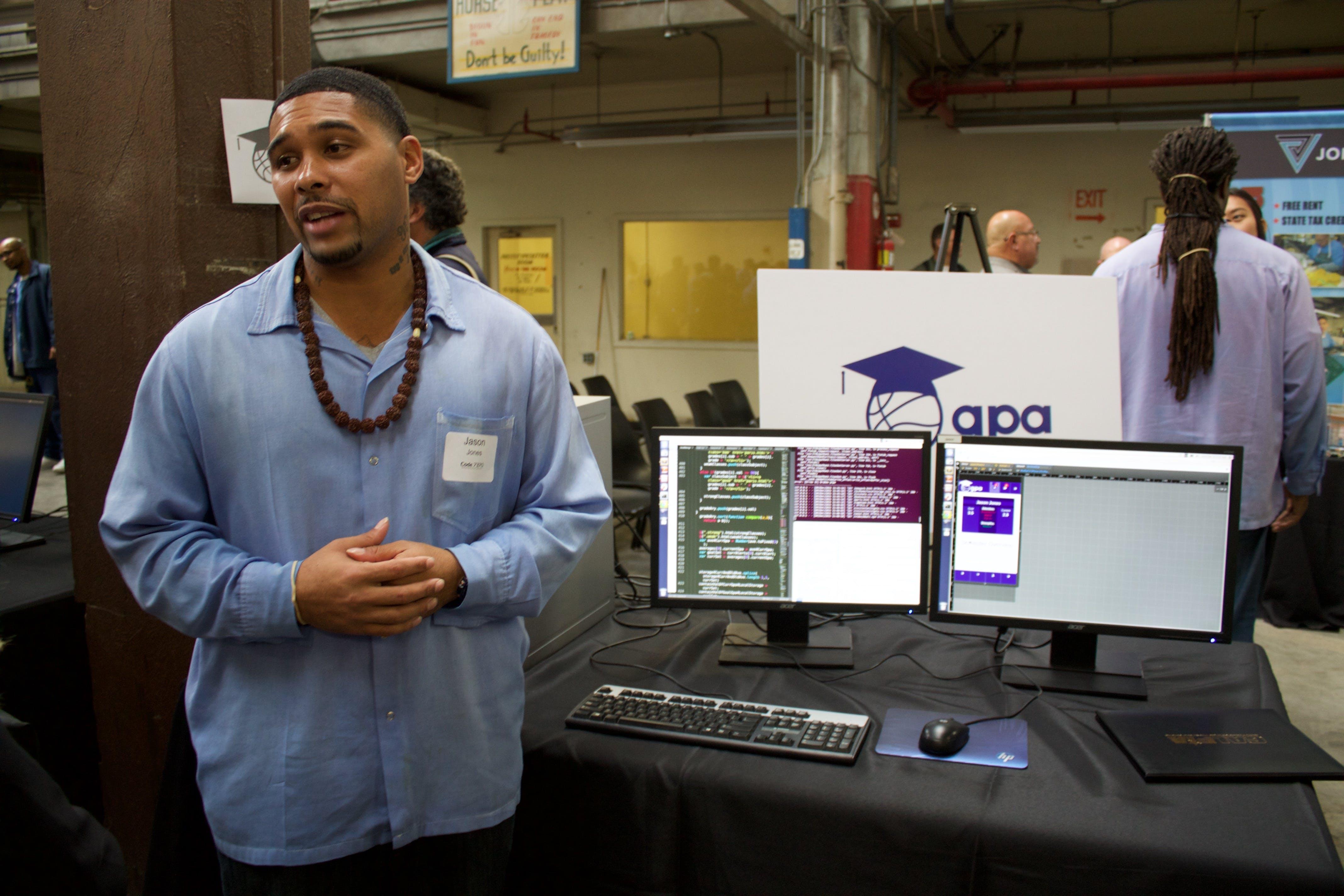 Jason Jones demoes GPA to visitors.