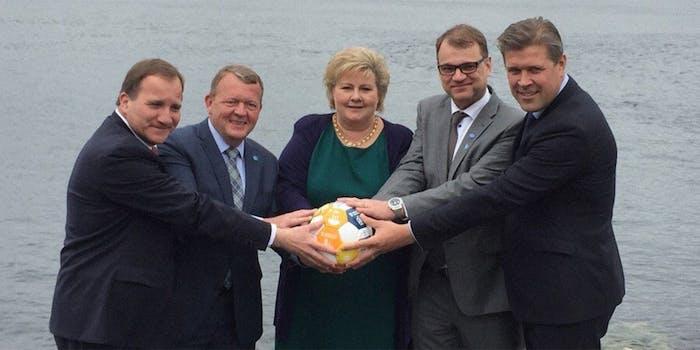 Nordic leaders mock Trumps orb photo