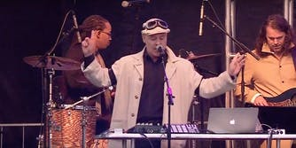 """Thomas Dolby performs 'She Blinded Me With Science"""" at the March for Science"""