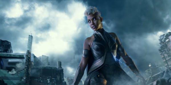 black female superheroes : Storm