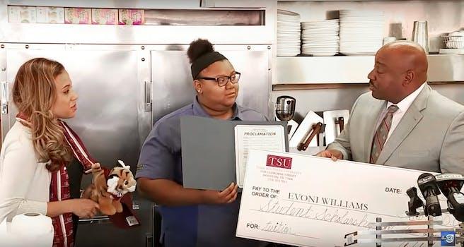 Waffle House teen waitress
