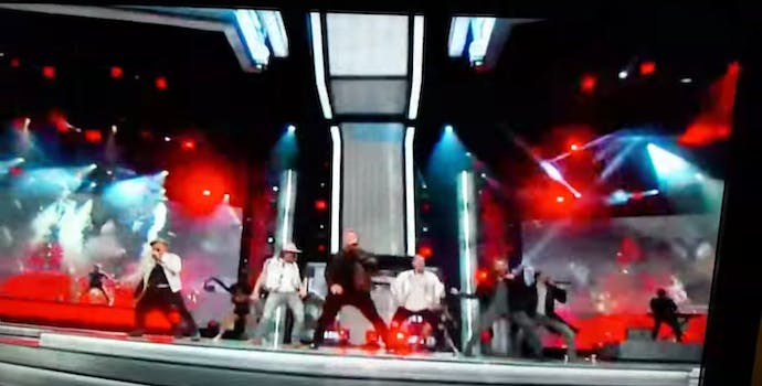 backstreet boys perform at the academy of country music awards