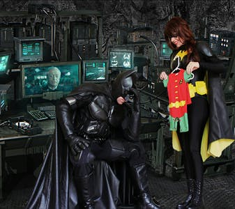 Redditors dressed as Batman and Batwoman announce their pregnancy.