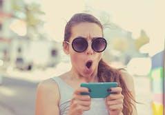 woman bumble dating app panic freak out
