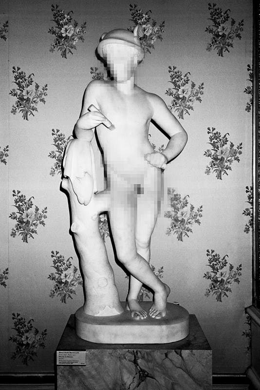louvre censored