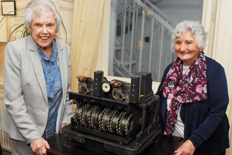 Codebreakers Betty O'Connell, Irene Dixon with the Lorenz SZ42