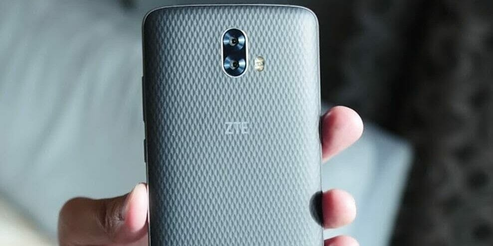 best cheap android phones zte blade v8 smartphone