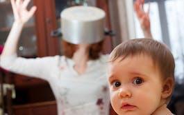 baby stressed mom pot on head
