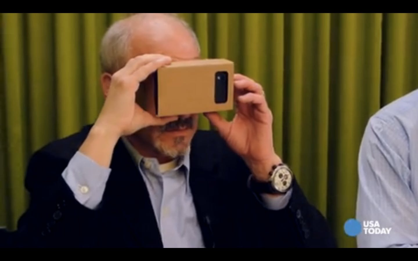 USA Today reporter Edward C. Baig tries to stop the View-Master from sucking out his eyeballs.