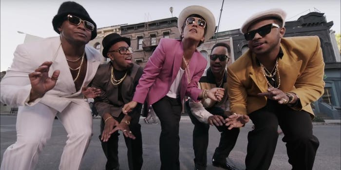 top 10 most viewed videos on youtube : uptown funk