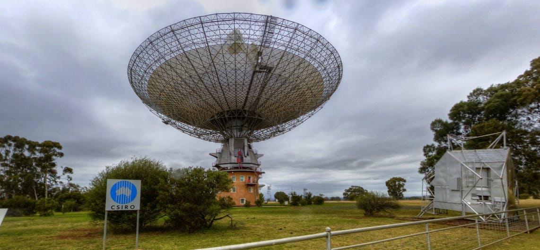 The CSIRO Parkes Radio Telescope.