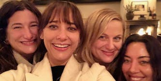 The cast of 'Parks and Rec' poses for a selfie