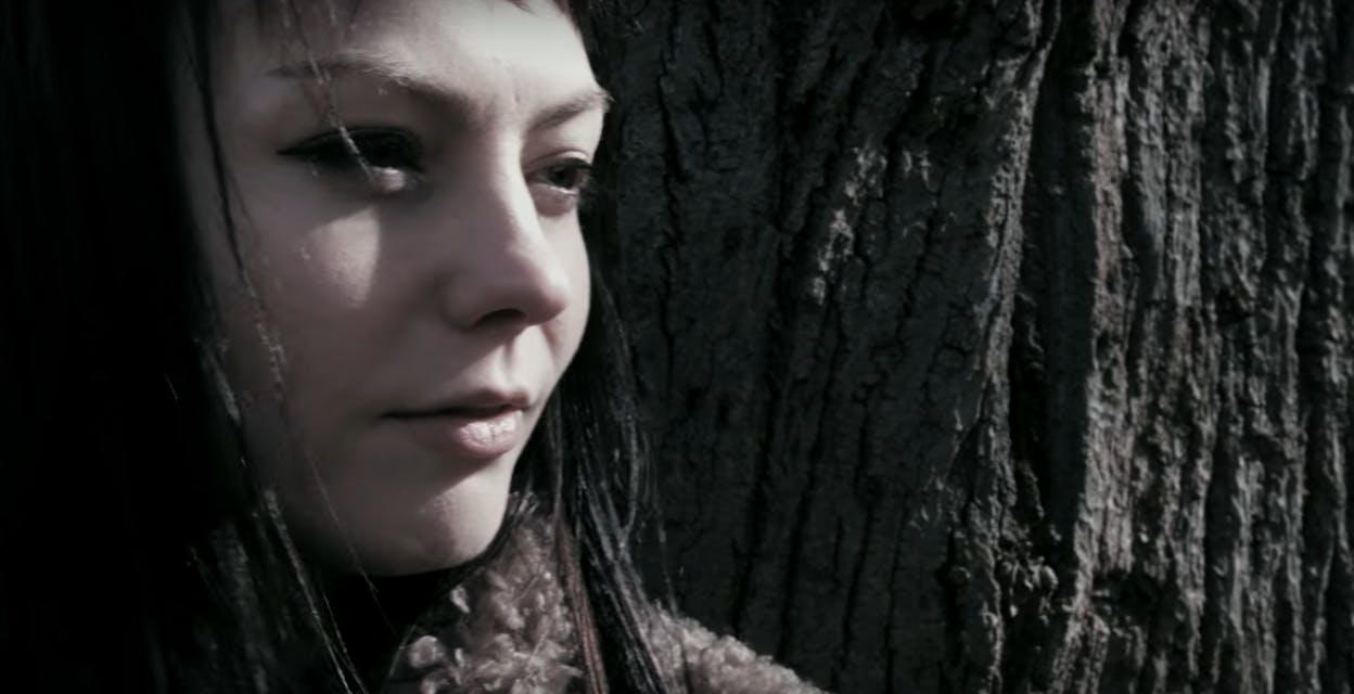 Best Music Videos 2017: 'Pops' by Angel Olsen