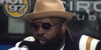 Black Thought freestyles on Hot97.
