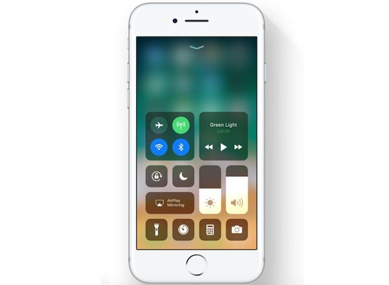 ios 11 features : iOS 11 Control Center
