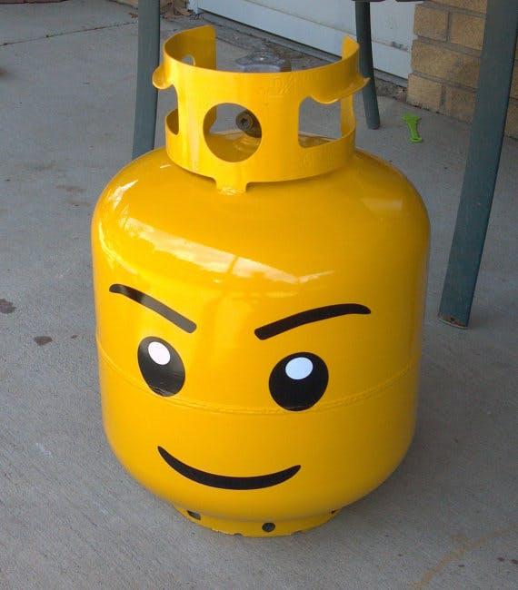 block head grill propane tank