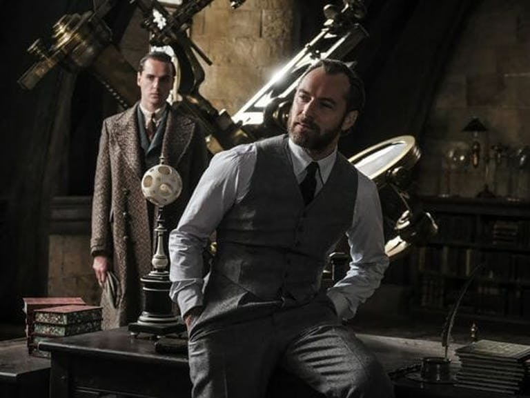 young dumbledore in fantastic beasts 2 photos