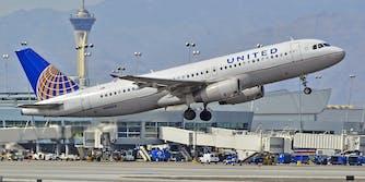 United plane taking off